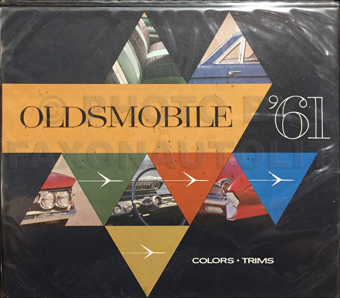 1961 Oldsmobile Color & Upholstery Dealer Album Original with Accessories
