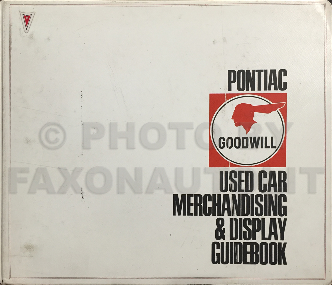 1966 Pontiac Used Car Merchandising & Display Guidebook Dealer Album Original