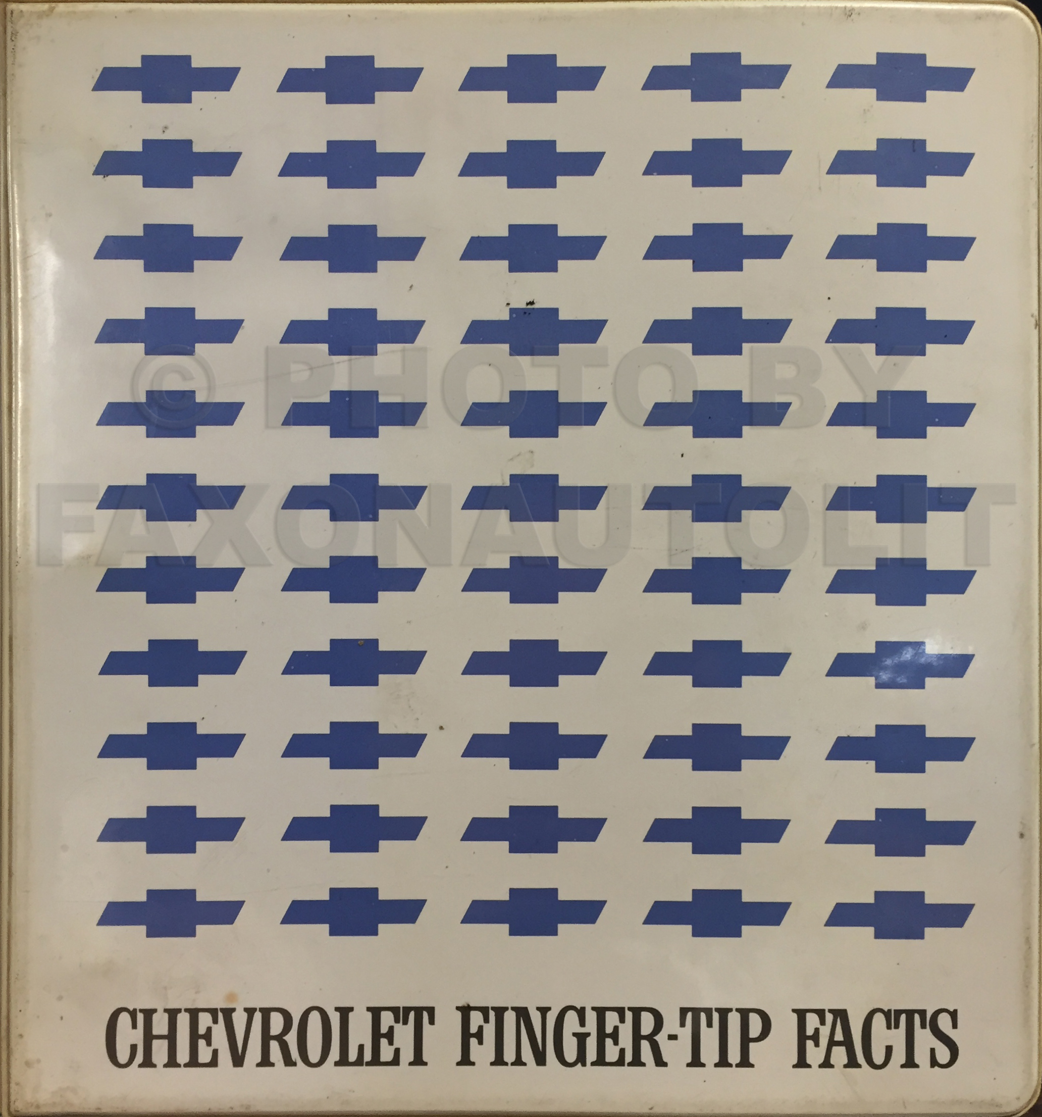 1968 Chevrolet Car Finger Tip Facts Book Dealer Album Original