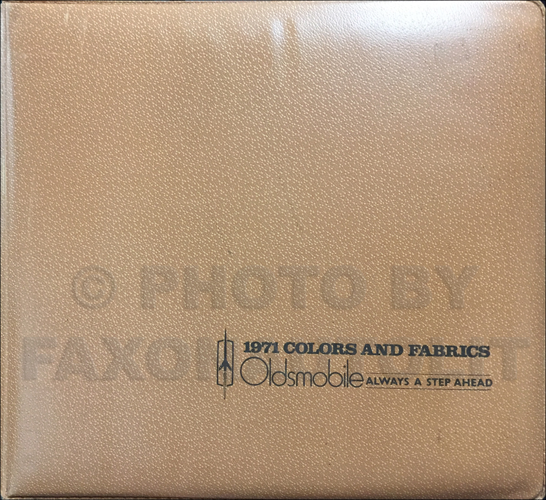 1971 Oldsmobile Color & Upholstery Dealer Album Original
