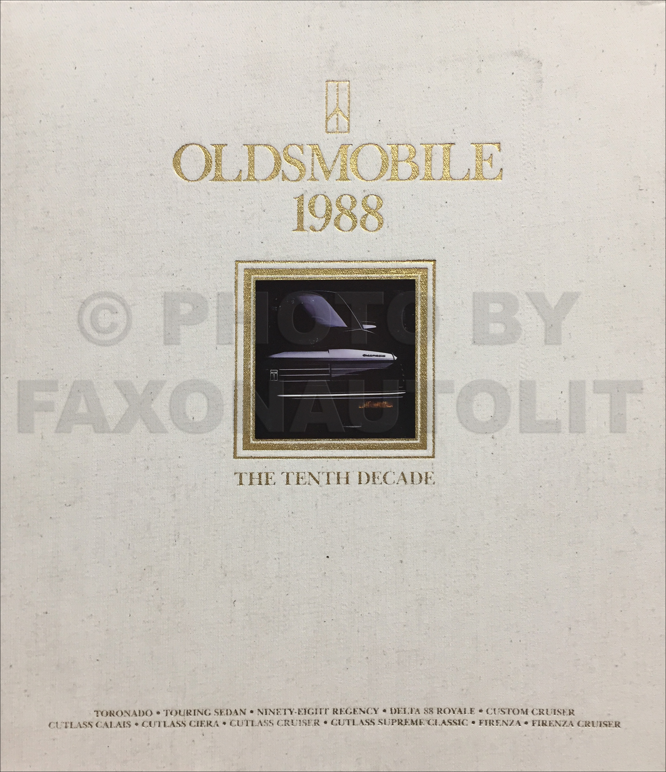 1988 Oldsmobile Cloth Portfolio with Sales Catalog Set Original