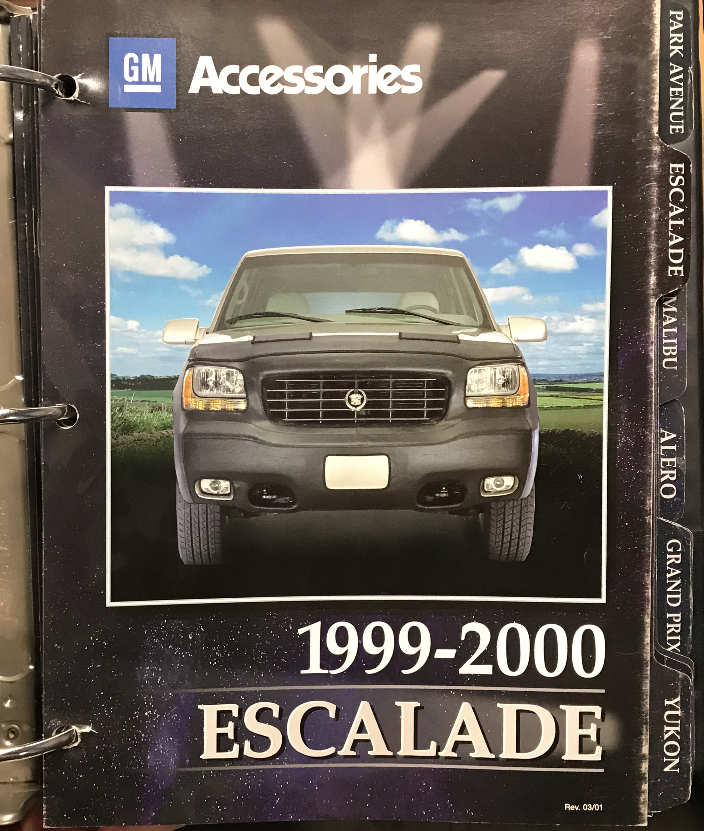 2000-2001 GM Accessories Dealer Album Original